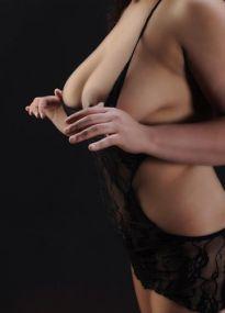 Suli aus Cuba hat XXL Brüste und einen dicken Hintern