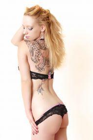 Susi aus Deutschland liebt Wilde Sexspiele im Haus & Hotel